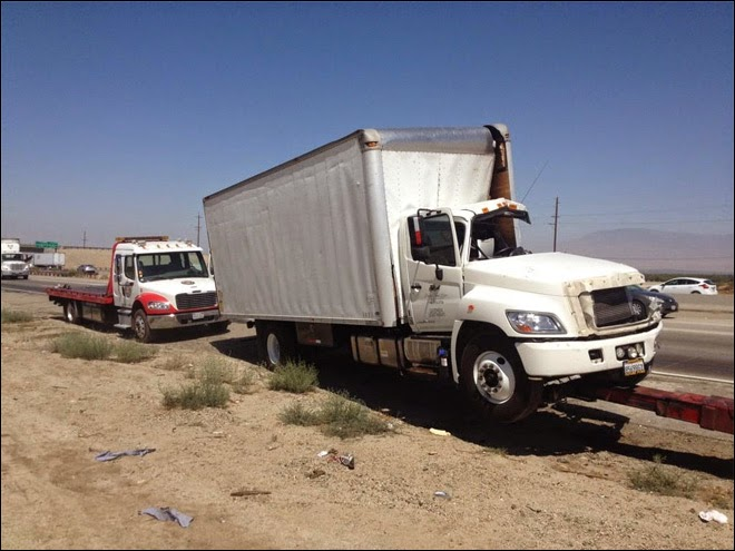 kern county interstate 5 highway big rig crash grapevine freeway