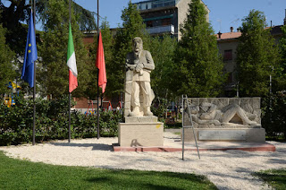 http://www.marcocavallini.it/liberafide18.html