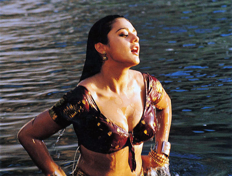 Preity Zinta Hottest Gif Images-Sexy Animated Moving -1234