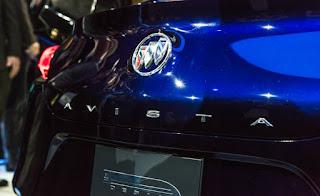 Buick-Avista-concept-show-floor-113-876x535
