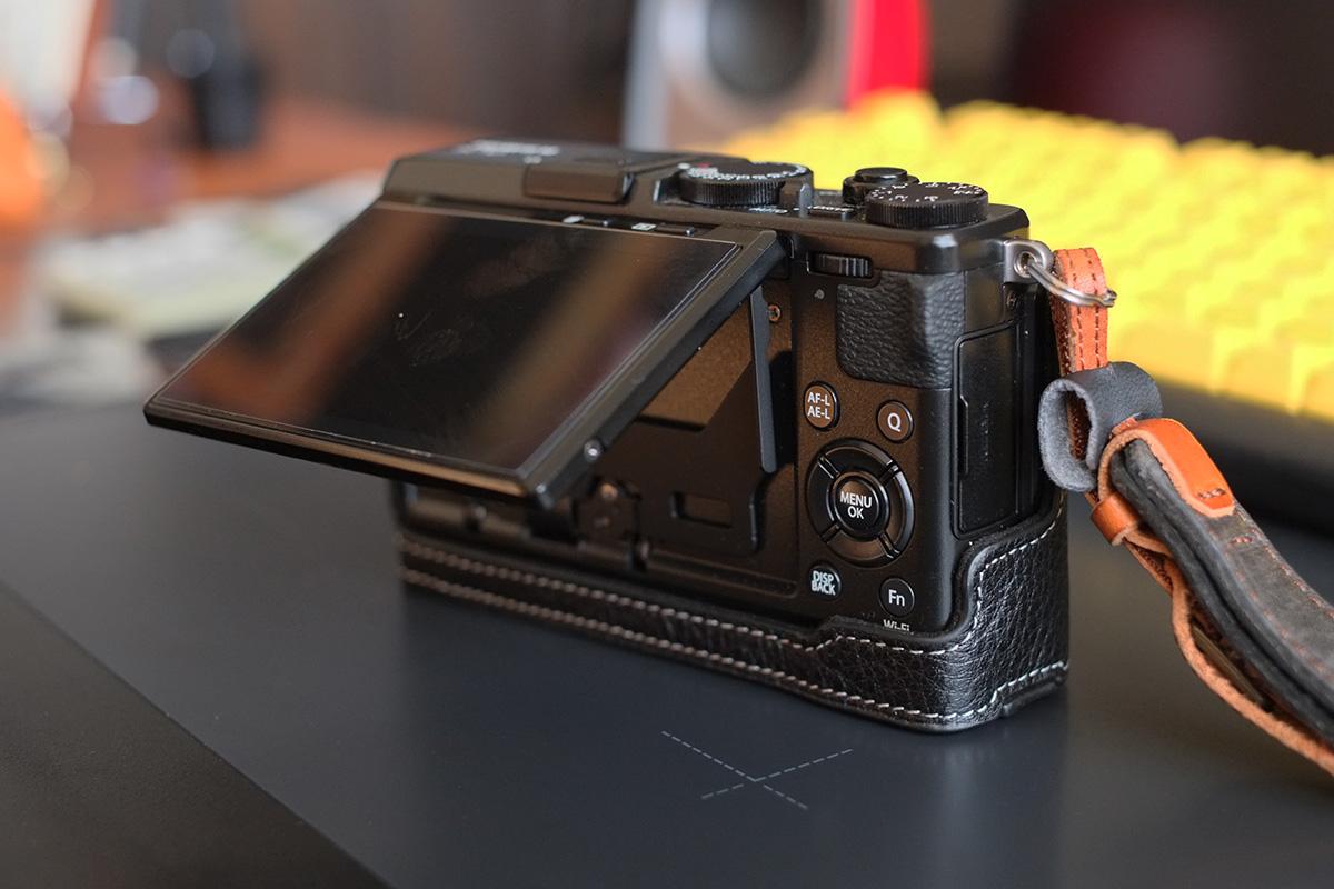 TP Originalのカメラケース X70