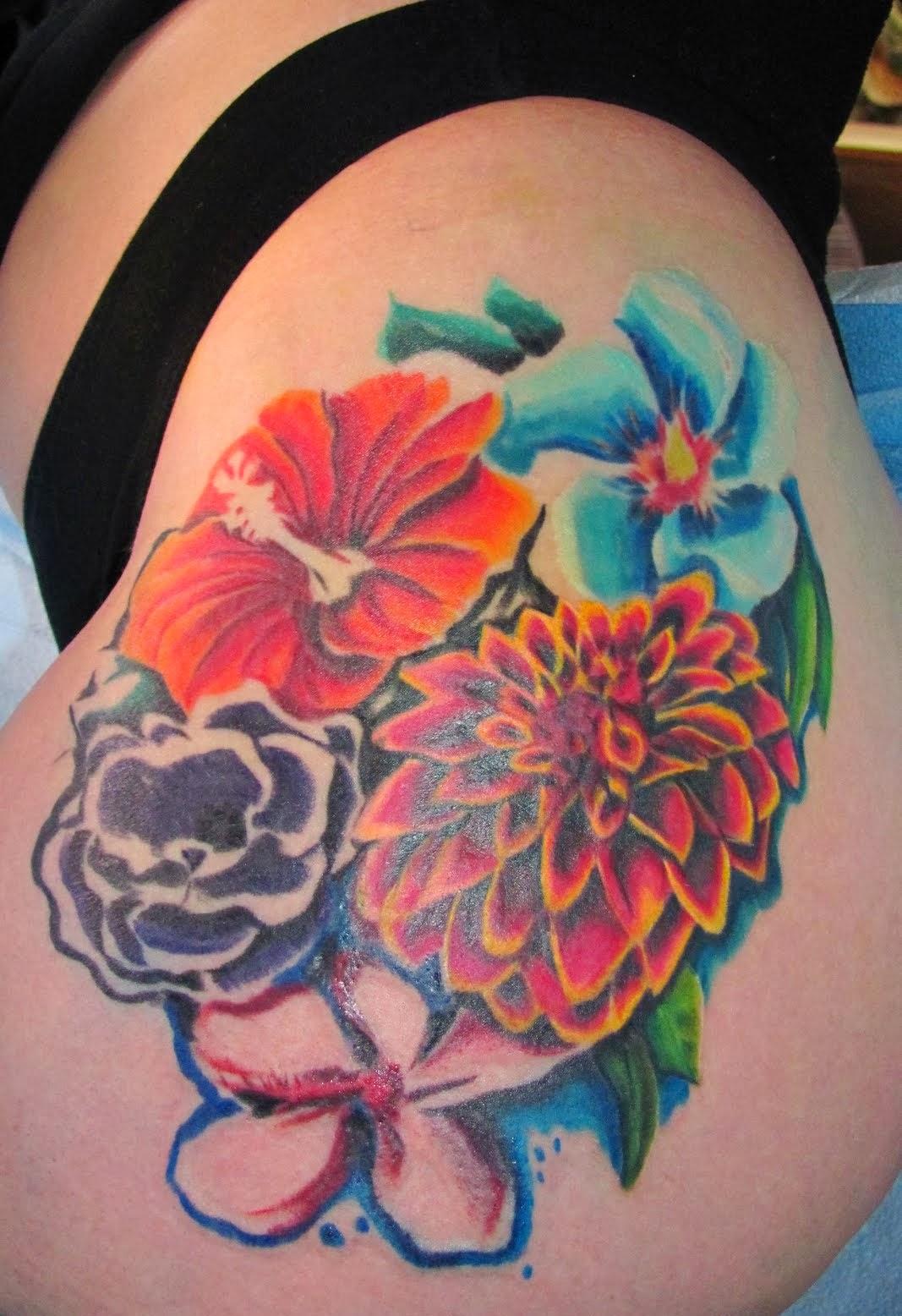 Hawaiian Hibiscus Flower Tattoo Designs: Hawaiian Flower Tattoos