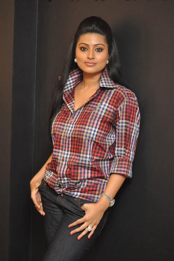 It Is Not Often We See This Beautiful Tamil Actress Sneha In Jeans Or In Western Getups She Here I Am Showing You Snehas Glamorous Photos In Jeans And