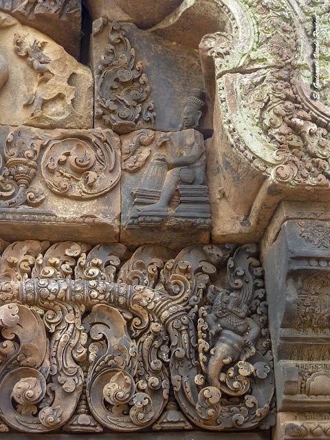 Banteay Srei, gopura al primer recinto, detalle - Angkor, Camboya por El Guisante Verde Project