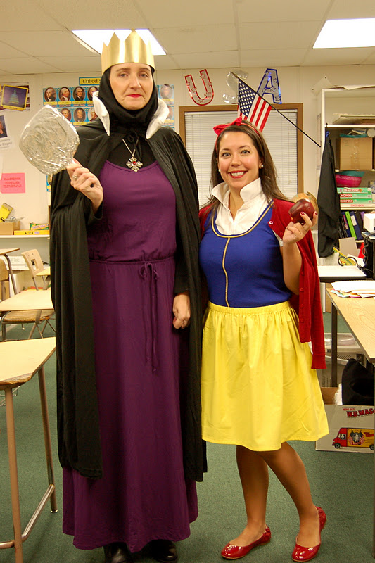 DIY Snow White and Wicked Queen Costumes  sc 1 st  Crafty Teacher Lady & Crafty Teacher Lady: Modern Day Snow White Costume