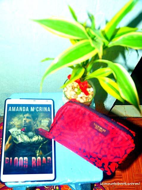 Blood Road (Blood Oath #1) by Amanda McCrina | Blog Tour and Giveaway | Book Review by iamnotabookworm!