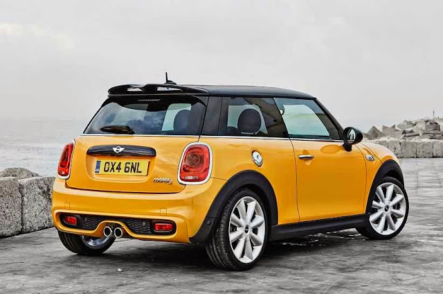 All-New MINI Cooper warna kuning