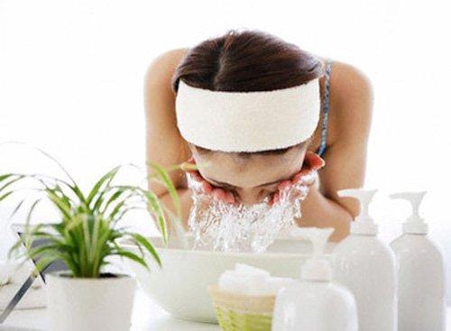 Làm trắng da với nước vo gạo