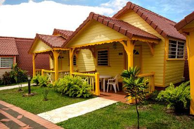 Bungalows jaune Hotel Bambou en Martinique