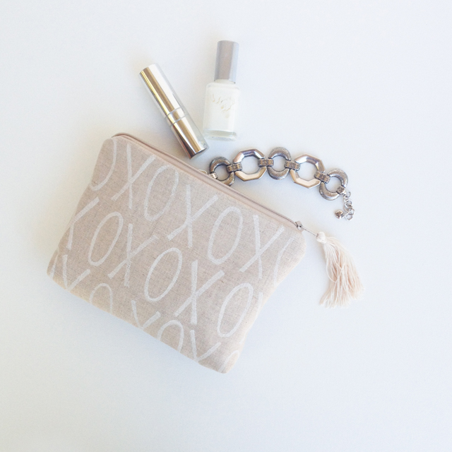 Linen and White Handprinted XO Clutch | MamaBleuDesigns.com