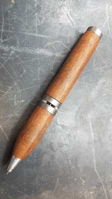 wooden pen with magnet juncture