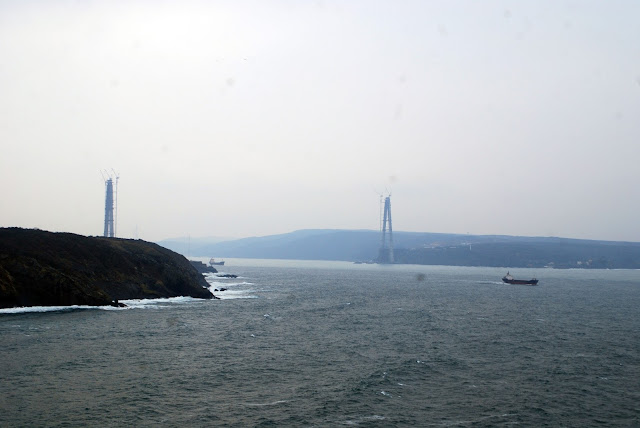 Начало строительства третьего моста через Босфор. Турция.