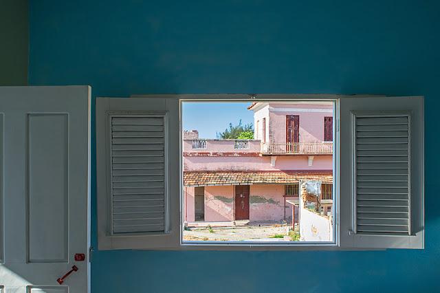 Une vue par la fenêtre de ma chambre chez Villa Teresa