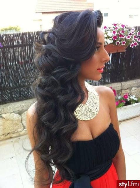 Long wavy bridesmaid hairstyle