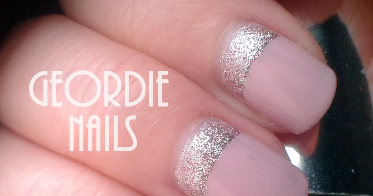 UPSIDE DOWN FRENCH MANICURE