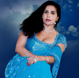 Malayalam actress and producer Mini Richard hot navel and ...  Malayalam actre...