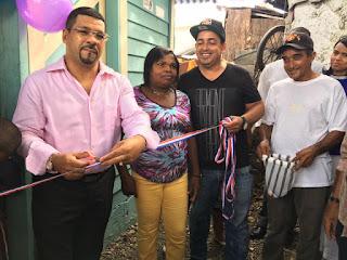 Diputado Manuel Sánchez hizo entrega de tres viviendas a familias pobres y le exhortó a los padres a cultivar los valores del amor,trabajo y esperanza en Dios