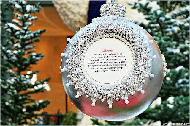 Holiday Glamour 2017 del Hotel Bellagio: Bola de Navidad de la Luna