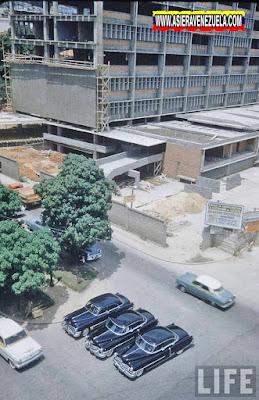 Construcción del edificio de la Electricidad de Caracas  en el Centro de la ciudad