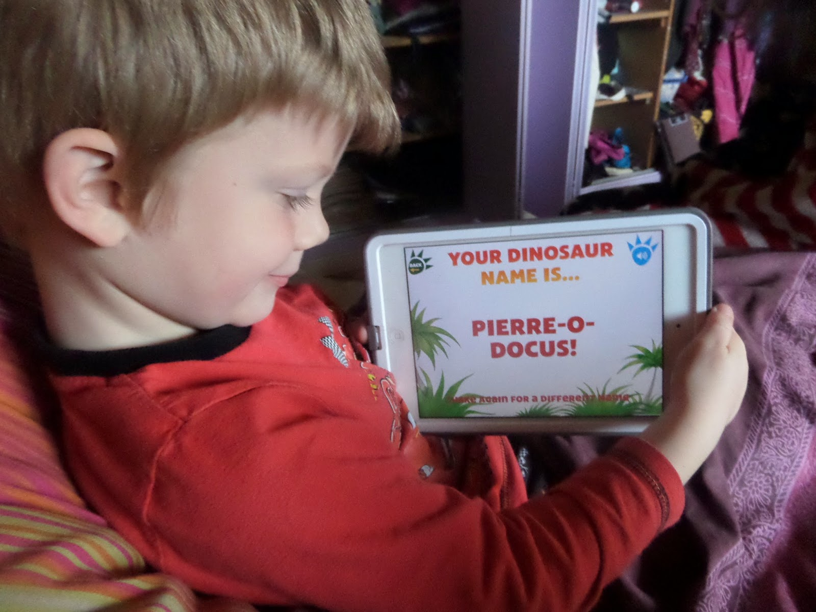 Madhouse Family Reviews: Kids app review : Dinosaur Roar