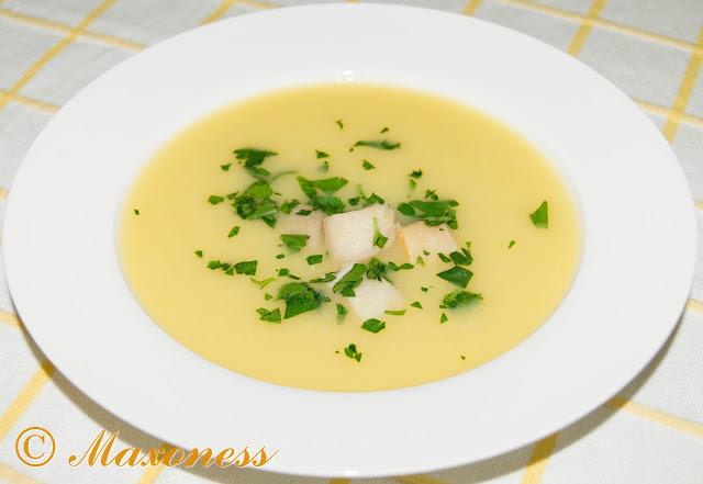 Крем-суп с пореем и гребешками