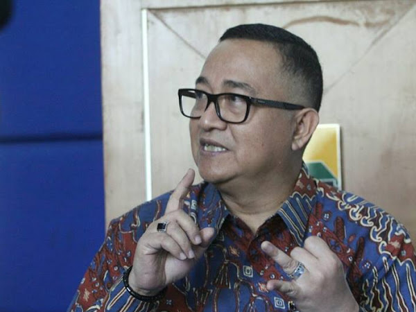 Kepala Dinas Koperasi Usaha Mikro Kecil dan Menengah Kota Bandung Priana Wirasaputra