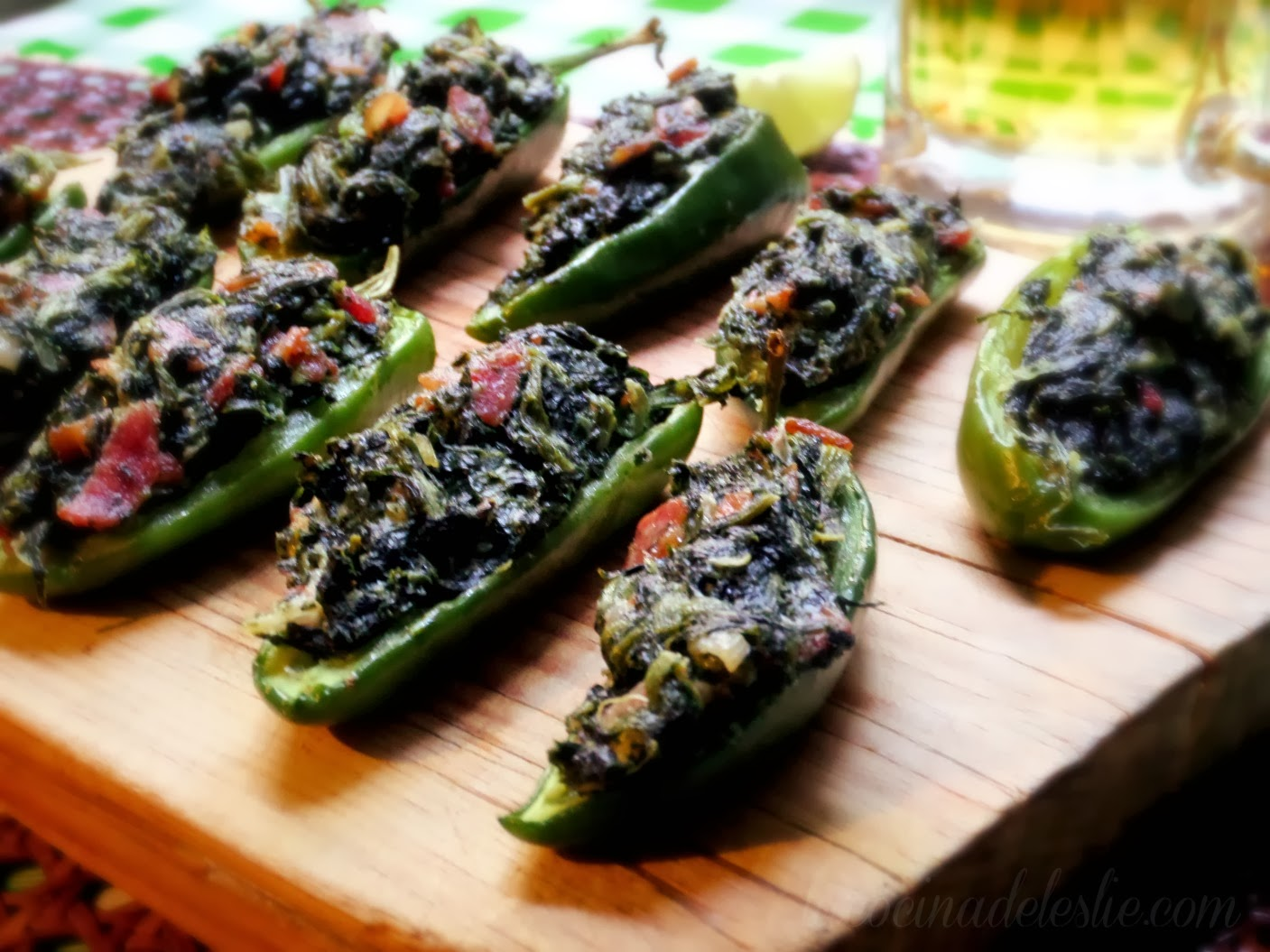 Jalapeño Poppers w/ Spinach - lacocinadeleslie.com