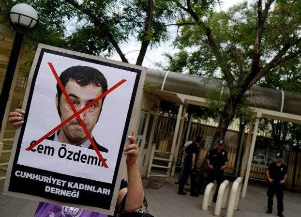 Γερμανία: Υπό αστυνομική προστασία βουλευτές τουρκικής καταγωγής