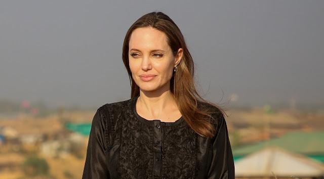 Os grandes estúdios sempre querem nomes famosos e consagrados para suas produções, e a Marvel não é diferente. A atriz vencedora do Oscar, Angelina Jolie, pode estar próxima de assinar o contrato para estrelar Os Eternos, o novo filme de super-grupo da Marvel. A informação é do The Hollywood Reporter.