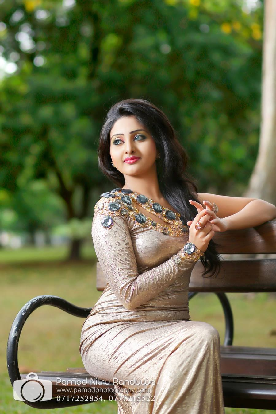Sri Lankan Hot Girls: Sri Lankan Actress and model Vinu