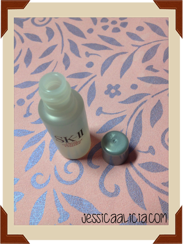 Review : SK-II Facial Treatment Essence (sample size)