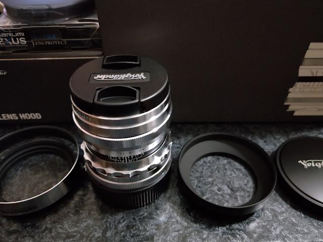 ULTRON 35mm F1.7 Aspherical VM + LH-9 S