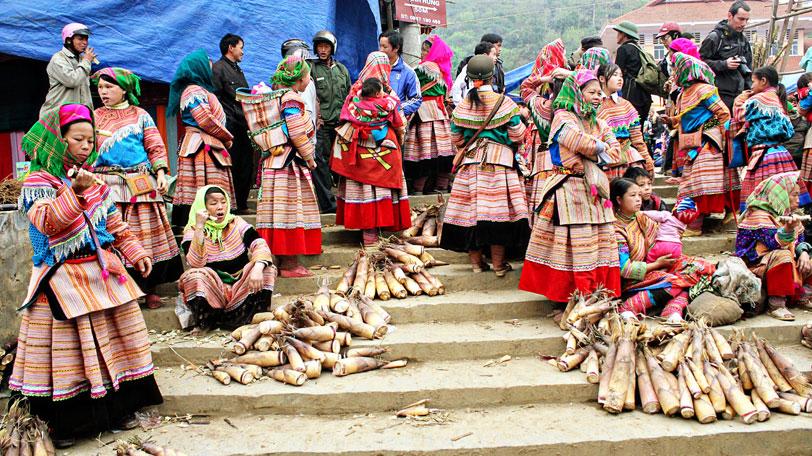 Image result for dân tộc mông