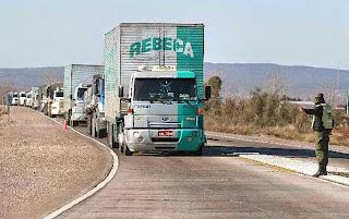 Resultado de imagen para camiones chilenos por villa la angostura
