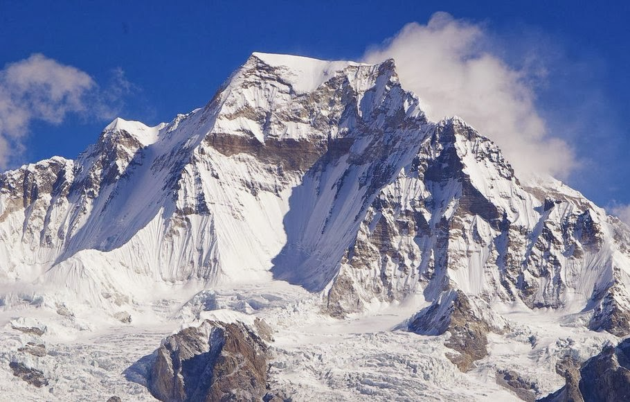 Gyachung Kang - 15 Highest Peaks in the World