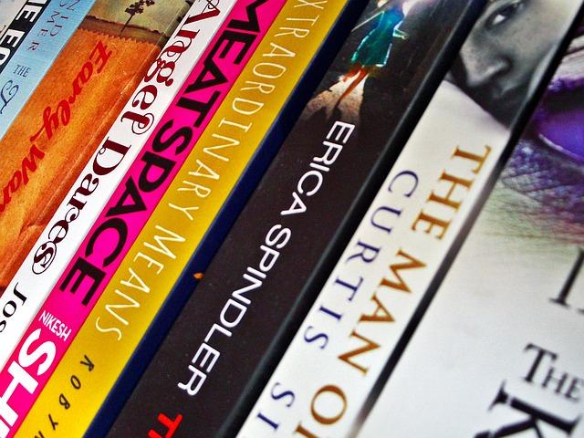 7 Tips Memilih Buku Klasik untuk Koleksi dan Dijual Kembali