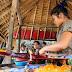 Melihat Para Penenun Songket di Desa Sukarara NTB