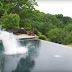 See why this guy dumps a 15 kilos of dry ice into the pool