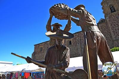 Estatua de jimadores en Tequila