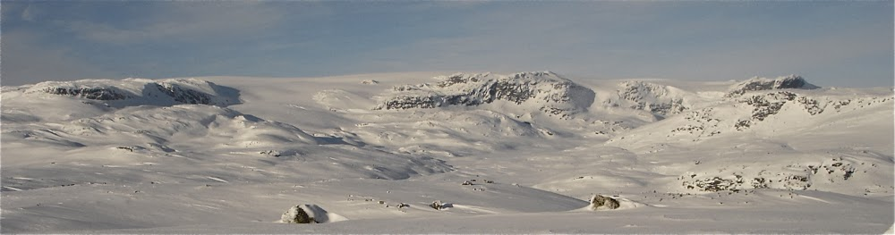 Hardangerjokulen seen from Smyttenutane.
