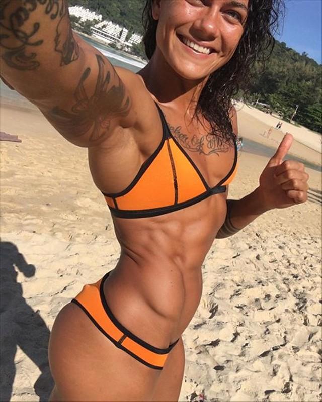 Fitness Model Aurora Lauzeral @aurora_lz_fit Instagram photos