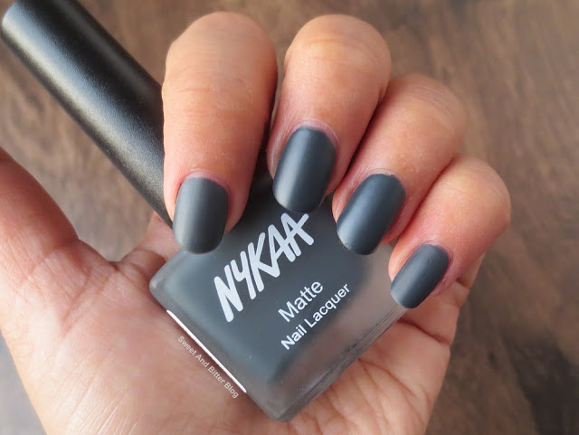 Nykaa Black Squid Ink Mousse Matte Charcoal Grey Nail Polish Swatch
