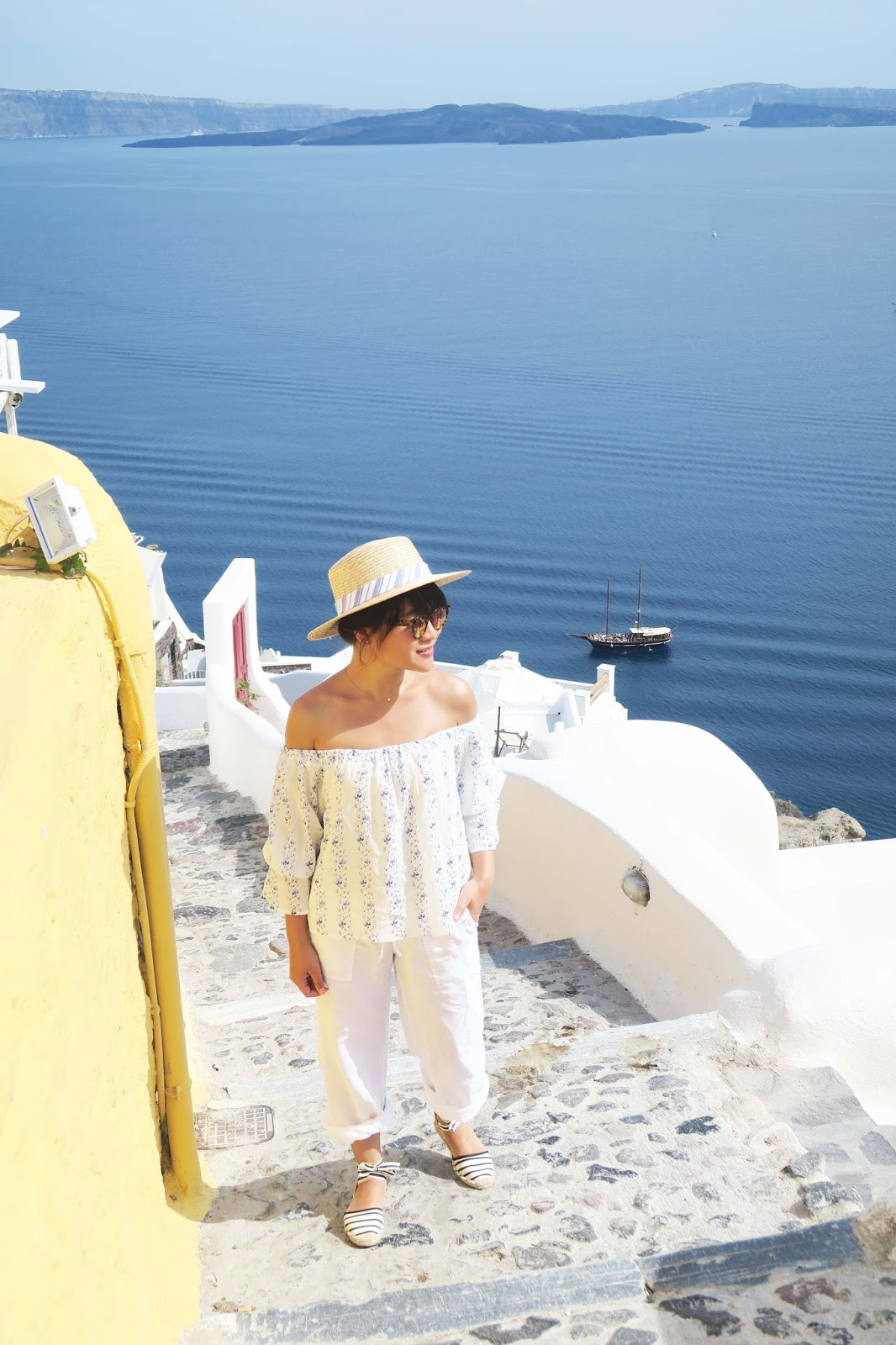 travel spring summer outfit inspiration santorini greece