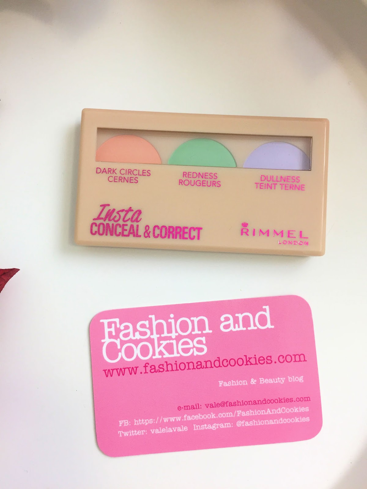 Rimmel Insta makeup per un viso a prova di selfie, conceal&correct review su Fashion and Cookies beauty blog, beauty blogger