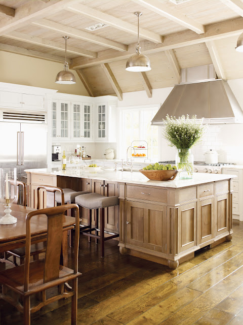 Gorgeous kitchen with large island