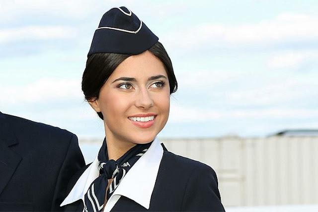 О чем можно попросить стюардессу во время полета. И она не откажет