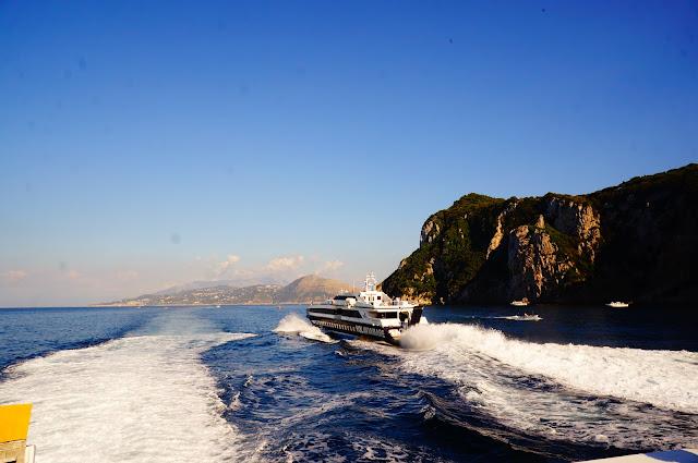 неаполитанский-залив
