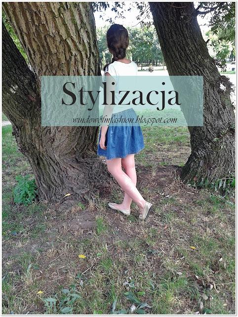 Stylizacja: paski i jeansowa spódnica