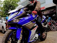 Honda CBR250RR Racing Blue, keren juga ya !