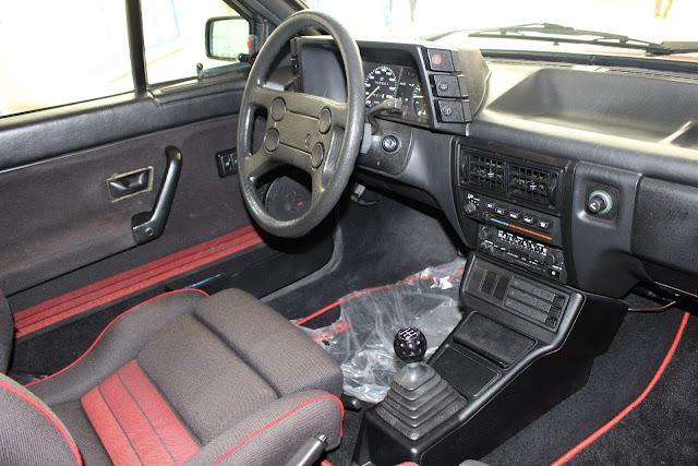 VW Gol GTS 1990 - interior